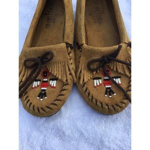 Minnetonka Brown Suede Beaded Moccasins Shoes 8.5